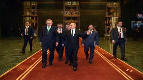 الرئيسان الروسي فلاديمير بوتين والتركي رجب طيب أردوغان في أنقرة
