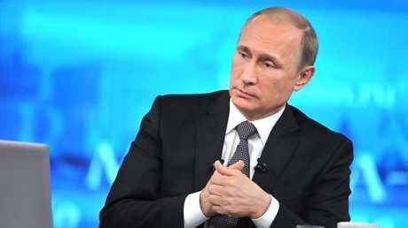 صورة من الأرشيف للرئيس فلاديمير بوتين في أحد الحوارات الصحفية