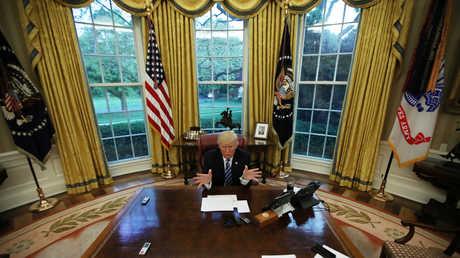 دونالد ترامب في المكتب البيضاوي