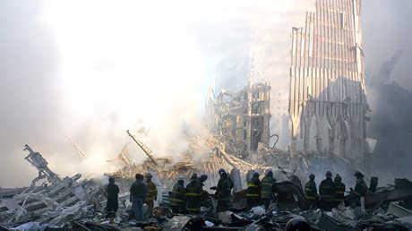 عمليات البحث والإنقاذ وإزالة الحطام بمركز التجارة العالمي بعد هجمات 11 سبتمبر