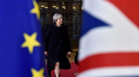 تيريزا ماي تصل قمة الاتحاد الأوروبي في بروكسل