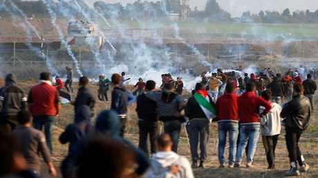 مواجهات بين الفلسطينيين والقوات الإسرائيلية