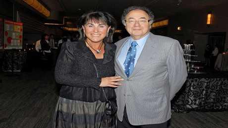باري شيرمان وزوجته