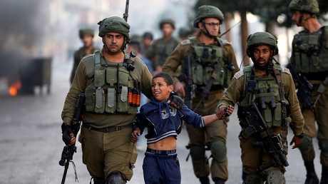 القوات الإسرائيلية تعتقل طفلا عمره 6 سنوات في مخيم الجلزون