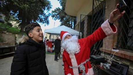 سوق لأعياد الميلاد وسط الجزائر