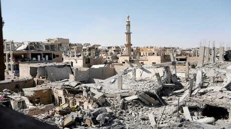 آثار المعارك في مدينة الرقة السورية