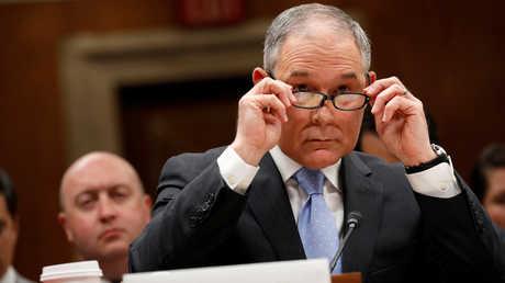 رئيس وكالة حماية البيئة الأمريكية سكوت بروت