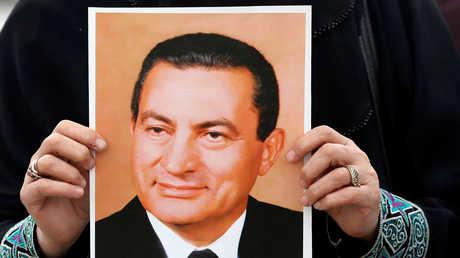 صورة للرئيس المصري الأسبق حسني مبارك