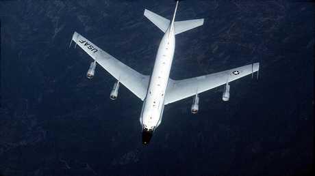 """طائرة استطلاع أمريكية من طراز """"RC-135W"""""""