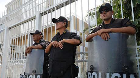 عناصر الأمن في بيرو