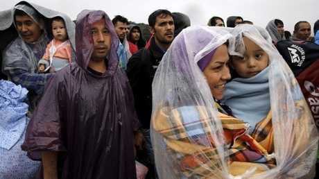 لاجئون لحظة وصولهم إلى سواحل الجزر اليونانية