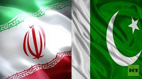 العلمان الباكستاني والإيراني