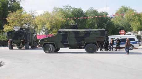 أرشيف - أفراد من الأمن التونسي في مهمة