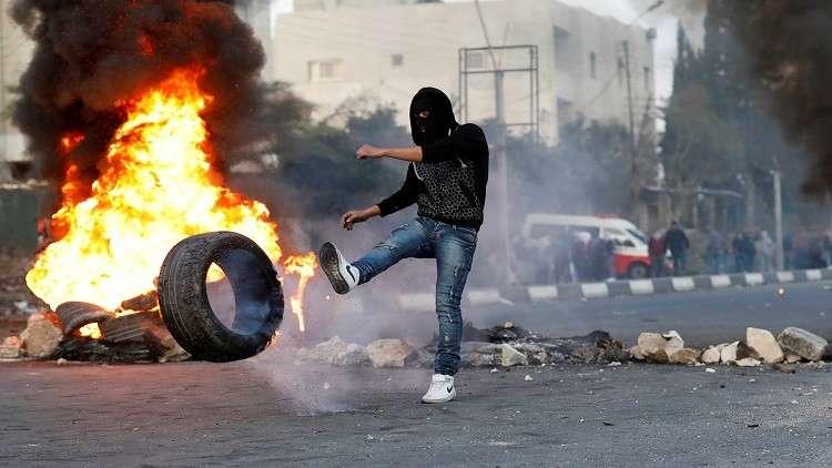إسرائيل تعتقل 26 فلسطينيا خلال الليلة الماضية بشبهة الإرهاب
