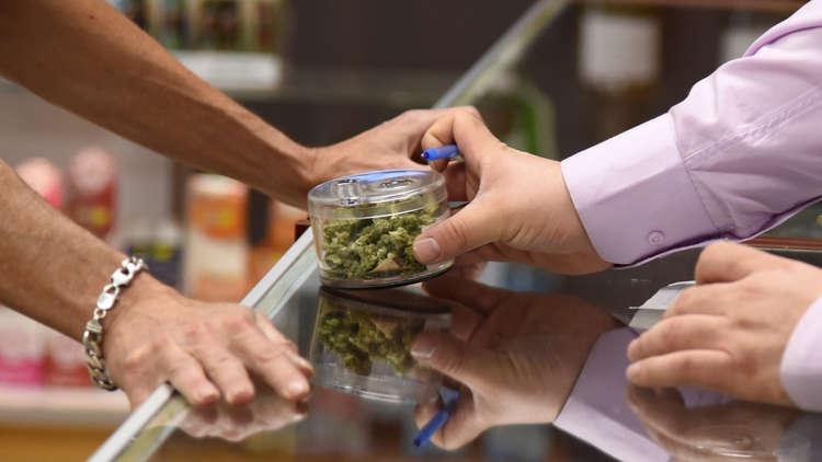 الماريجوانا تكتسح السوق في كاليفورنيا وقد تطيح بالجعة