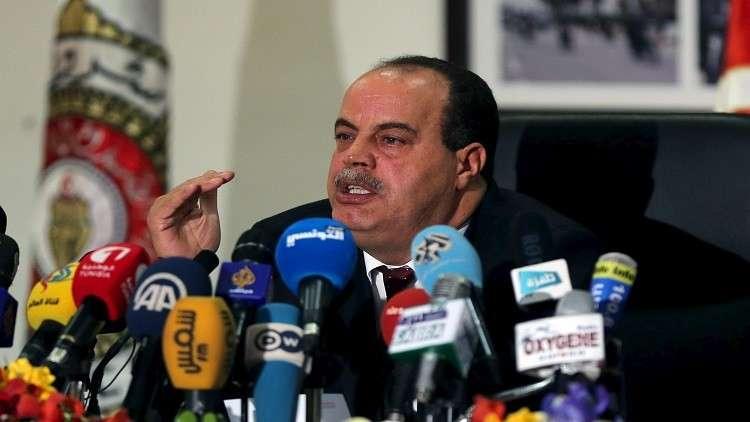 تونس ترفع الحصانة عن وزير لمحاكمته