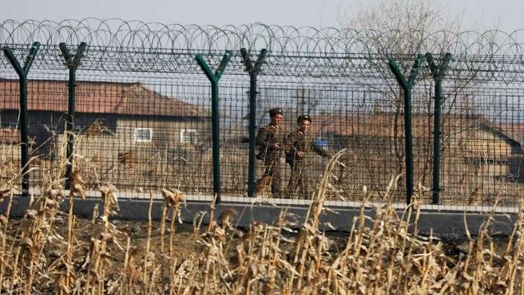 في تطور مهم ولافت.. إعادة تشغيل الخط الساخن بين الكوريتين