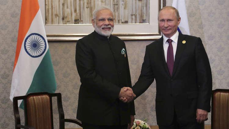 بوتين يبحث مع رئيس وزراء الهند تطوير علاقات الشراكة