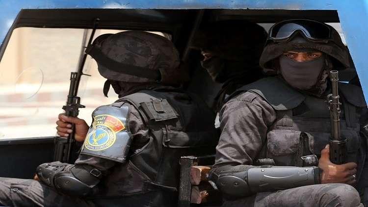 حبس مسؤولين مصريين ومواطنين أجانب بتهمة الاتجار بالبشر