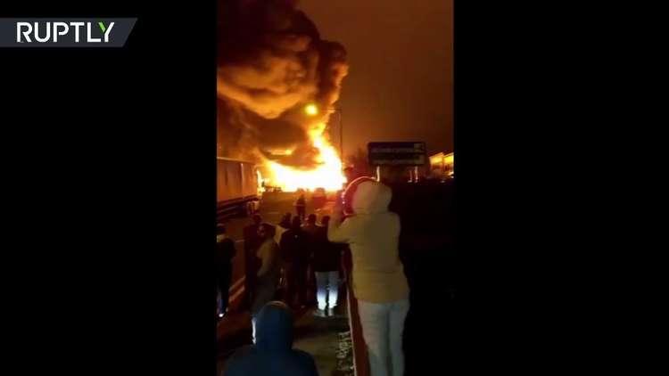 حريق ضخم بمصنع في لندن