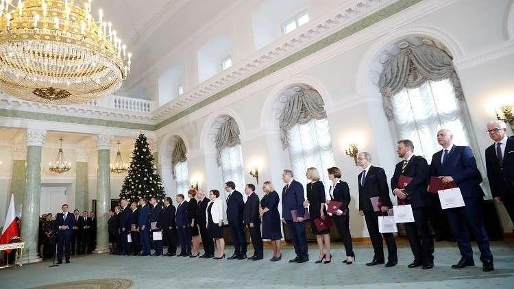 تعديل وزاري في بولندا يشمل الخارجية والدفاع