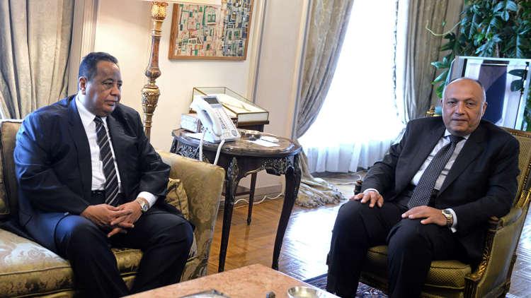 السودان يحدد موقفها من عودة سفيرها إلى مصر خلال 48 ساعة