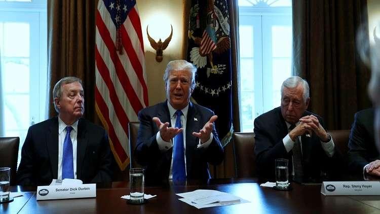 ترامب: نحن بحاجة إلى جدار
