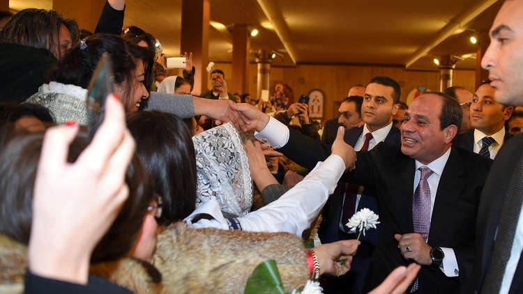 الرئيس المصري يقيم جسر تواصل مع مواطنيه!