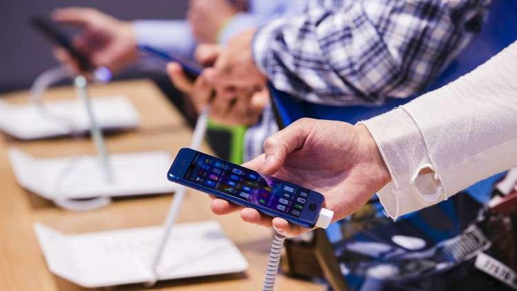 ثالث أذكى الهواتف في العالم ممنوع في أمريكا