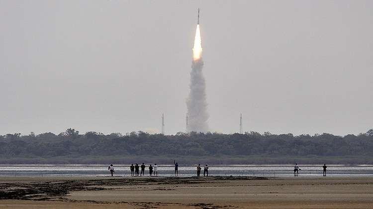إطلاق 33 قمرا اصطناعيا من الهند والصين