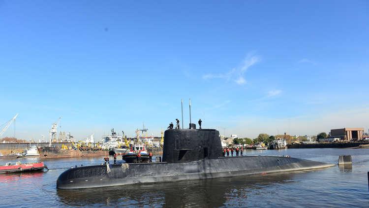 البحرية الأمريكية تتنصل من التقرير القائل إن الغواصة