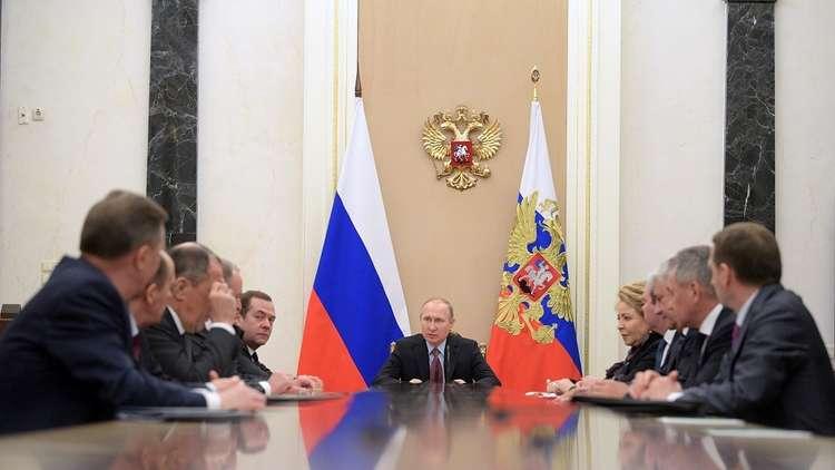 بوتين يبحث مع مجلس الأمن الروسي ملفي سوريا ومؤتمر سوتشي