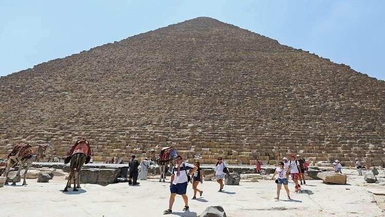 مصر.. قفزة كبيرة في إيرادات السياحة