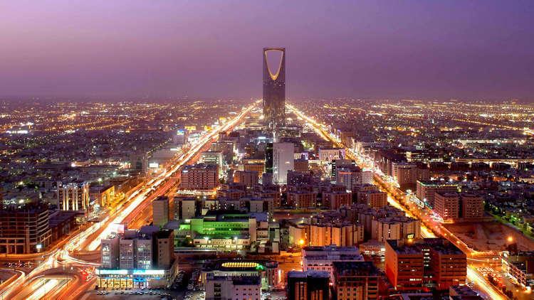 الرياض تعلن قائمة دول يحق لمواطنيها الحصول على التأشيرة السياحية السعودية