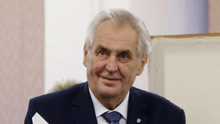 زيمان يفوز بالجولة الأولى من انتخابات رئاسة التشيك