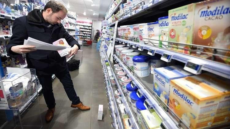 سحب ملايين علب حليب الأطفال الفرنسي الملوث من 83 بلدا!