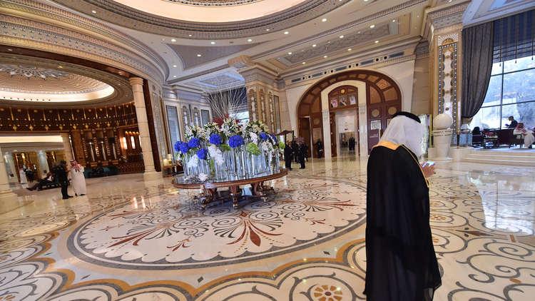 السعودية.. الإفراج عن مسؤول رفيع سابق وآخرين من الموقوفين في