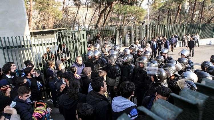 المدعي العام الإيراني: إطلاق سراح 440 من المحتجزين أثناء الاحتجاجات