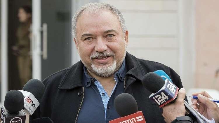 ليبرمان: عباس فقد صوابه