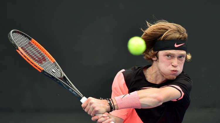 الروسي روبليف يقصي المخضرم فيرير من بطولة أستراليا المفتوحة