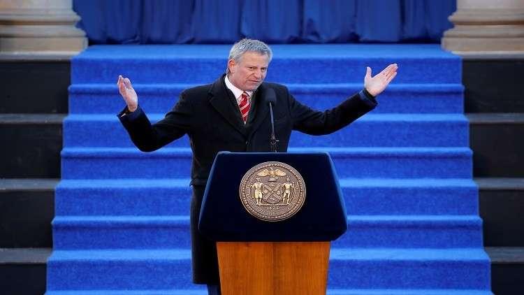 عمدة نيويورك معارضا سياسات ترامب للهجرة: أمريكا للجميع