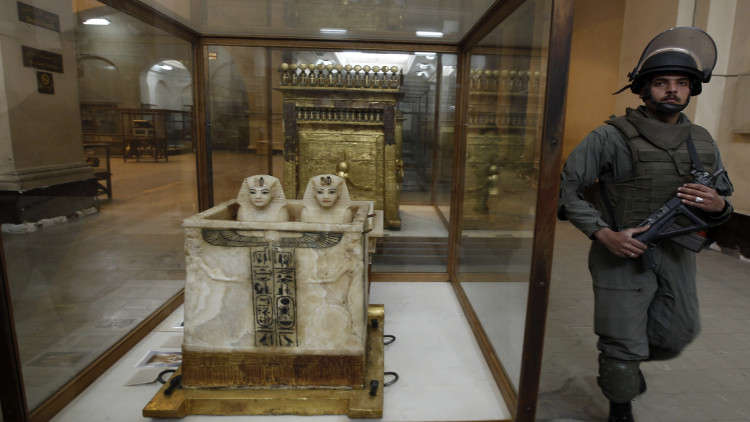 المؤبد لسارقي ومهربي الآثار في مصر