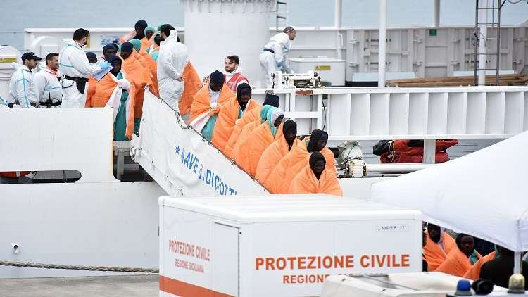 الهجرة إلى القارة العجوز مستمرة.. إنقاذ نحو 1400 مهاجر وانتشال جثتين قبالة سواحل ليبيا