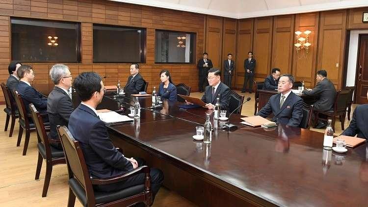 المفاوضات بين وفدي كوريا الشمالية وكوريا الجنوبية في المنطقة المجردة من السلاح في قرية بانمونغونة، 15/01/2018