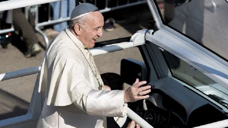 بابا الفاتيكان عن جرائم الكنسيين الجنسية ضد الأطفال: أشعر بالعار!