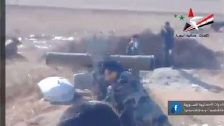 شاهد.. الجيش السوري يدمر سيارة نقل إرهابيين
