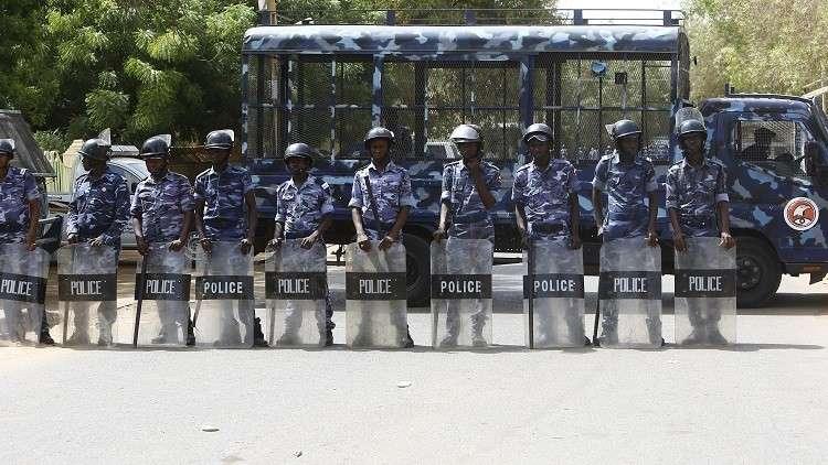 اعتقال زعيم الحزب الشيوعي في السودان إثر احتجاجات على رفع أسعار الخبز