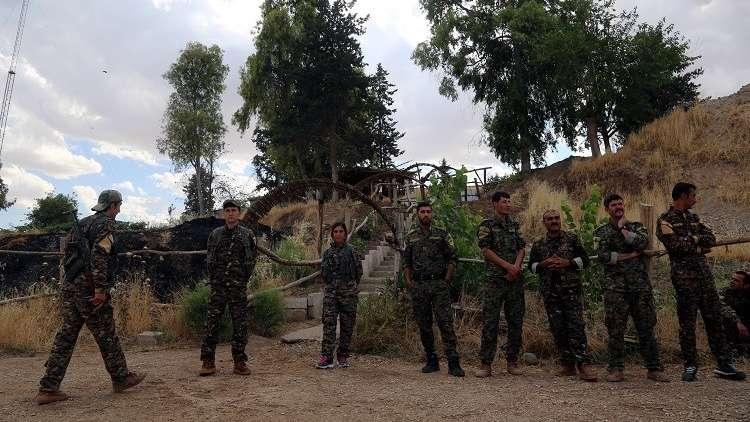 عائلات المسلحين المحتجزين في سوريا يقيمون دعوى قضائية ضد فرنسا