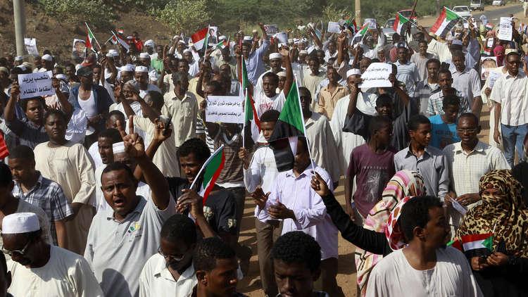اعتقال صحفيين بعد تغطيتهم الاحتجاجات في السودان