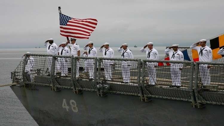 أحدث سفينة حربية أمريكية تعلق في الجليد في أول رحلاتها